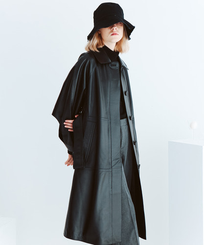 SPERONE Lambskin Point Sleeve Trench Coat [Black]