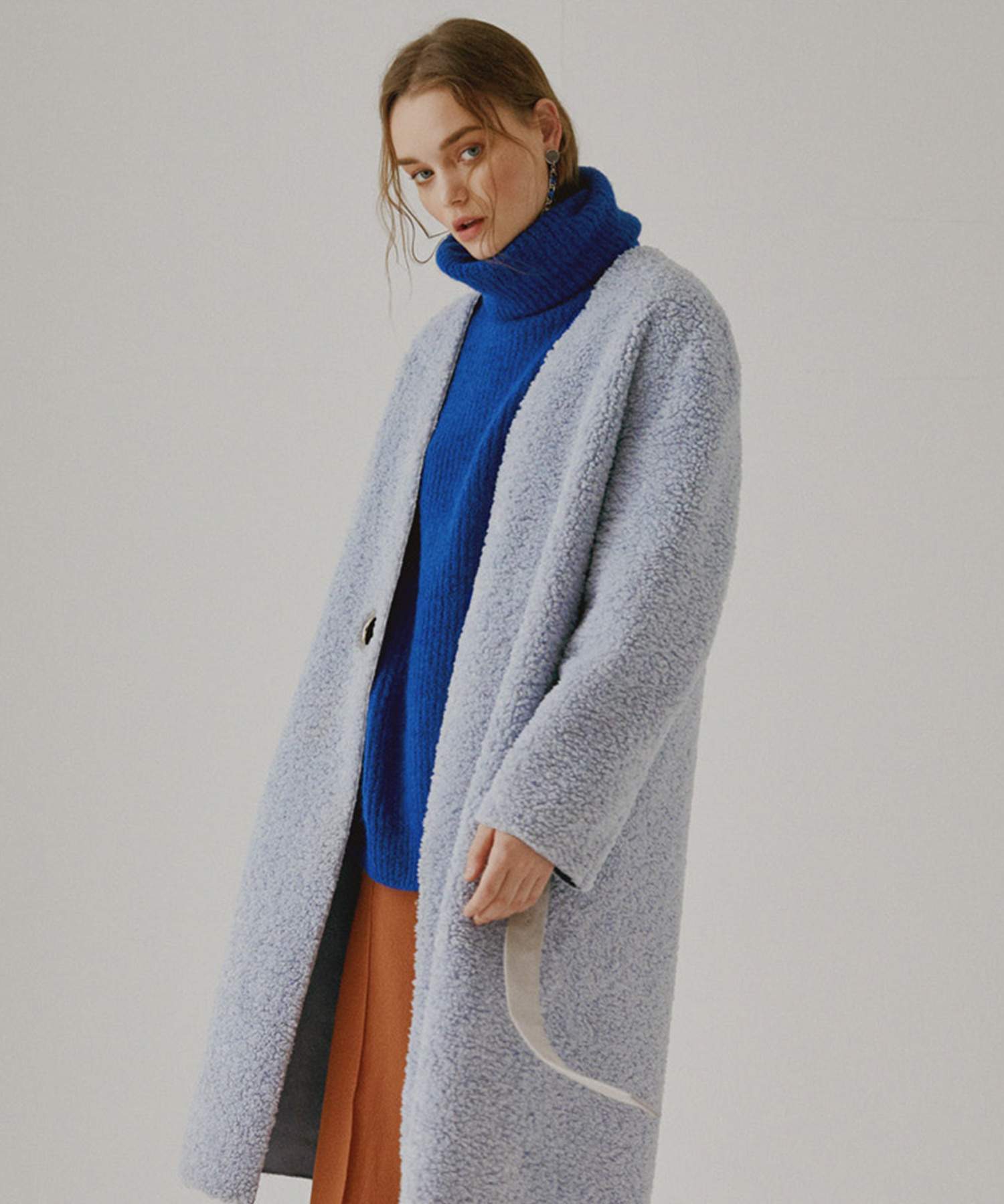 SPERONE COLLARLESS SUEDE REVERSIBLE COAT [SKY BLUE]